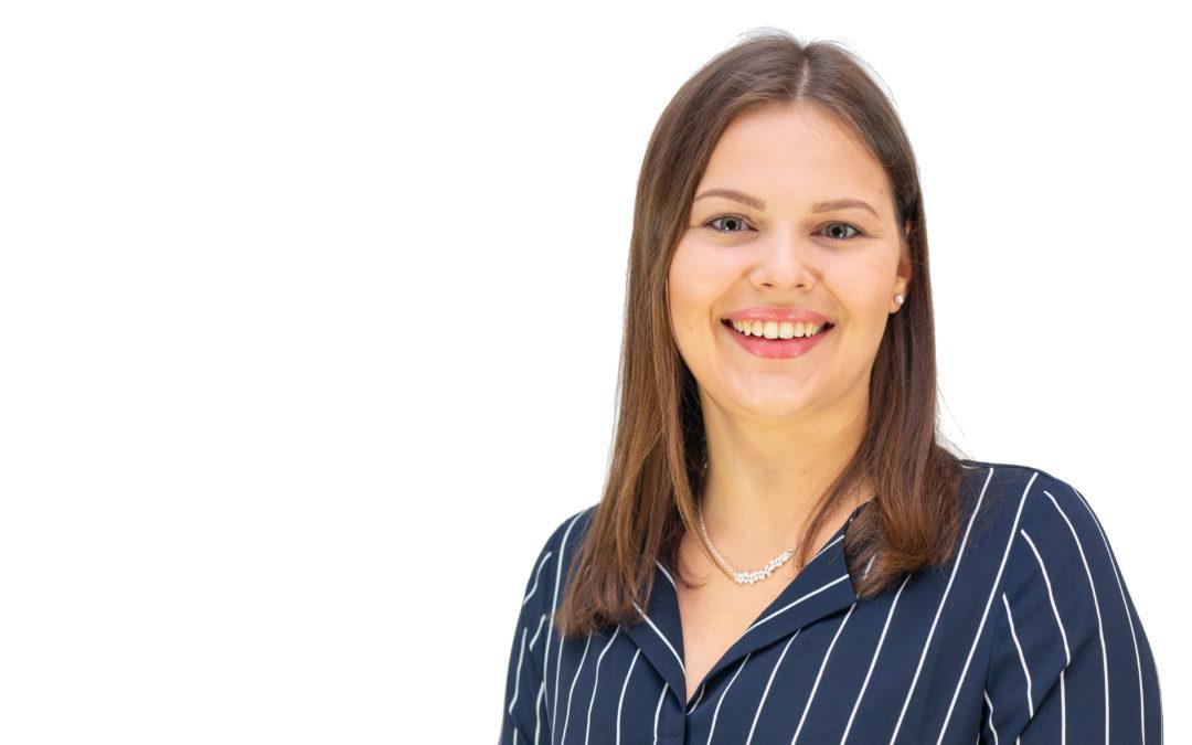 Caroline Högel ställer upp i riksdagsvalet i Nyland