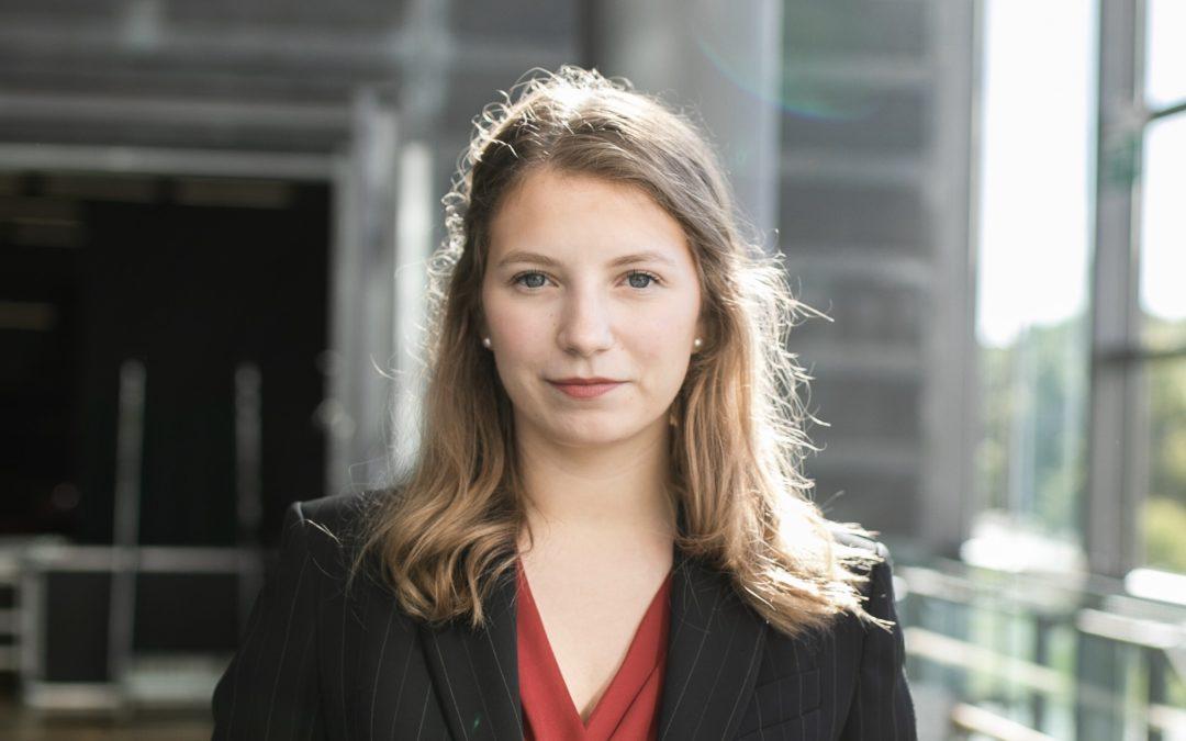 Ina Mickos ny kretsordförande för Svensk Ungdom i Nyland