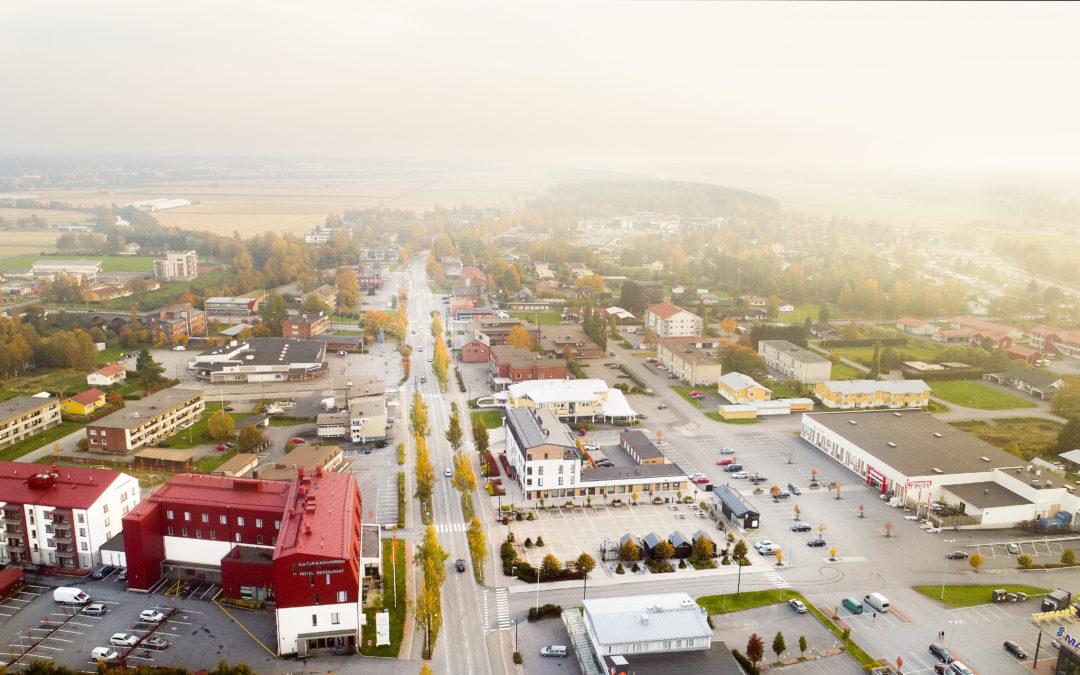 Roberth och Linnea vill göra Närpes till en mer inkluderande kommun för unga